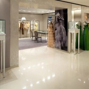 Boutique Christian Dior, Blanc Latin Delfina