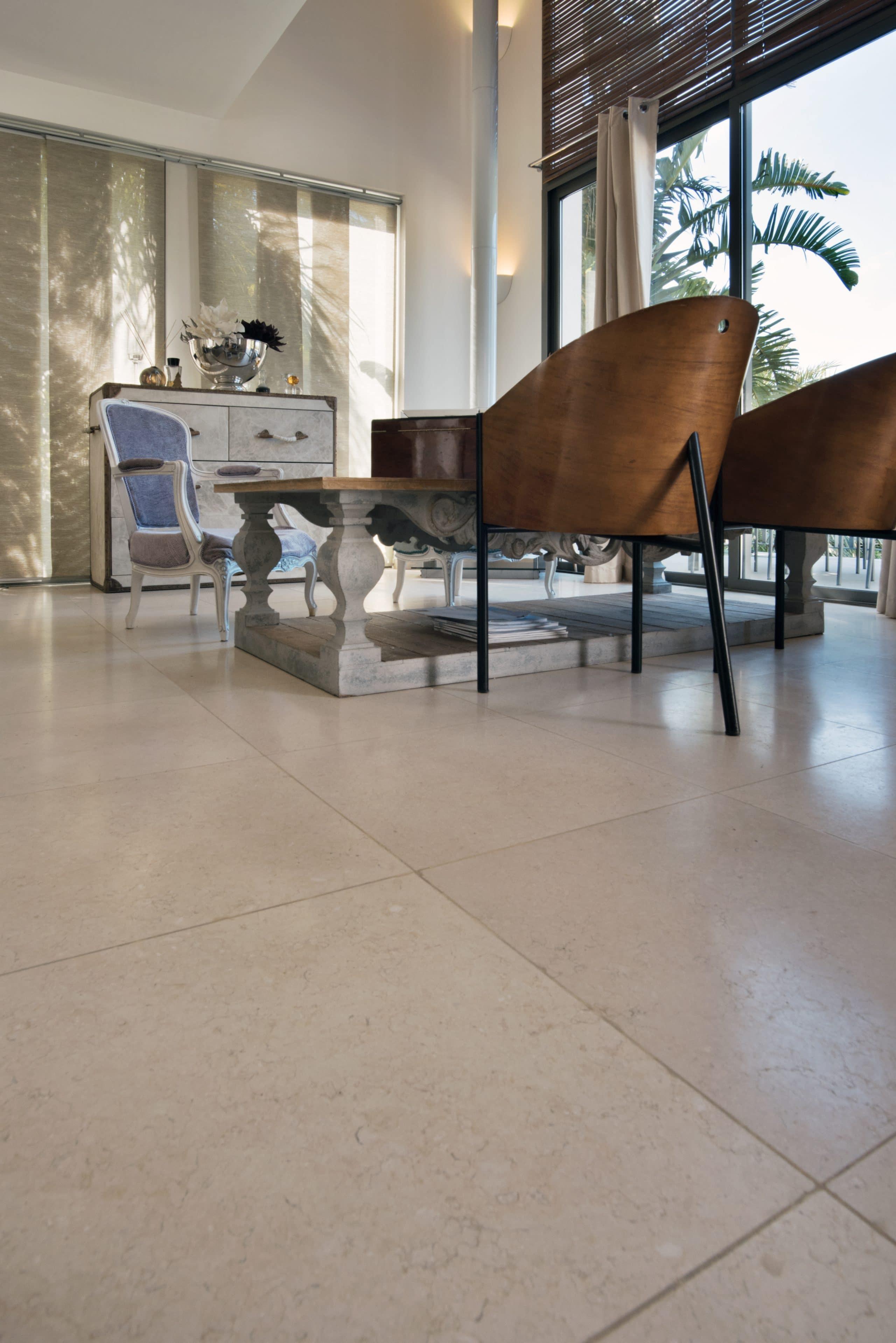 sol intérieur en pierre Créma Nova