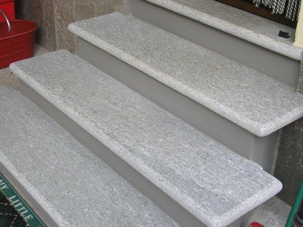 escaliers intérieur en pierre de luzerne