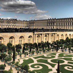 Le Château de Versailles, construit en Pierre de Saint Maximin