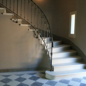 Escalier en pierre naturelle Créma Nova