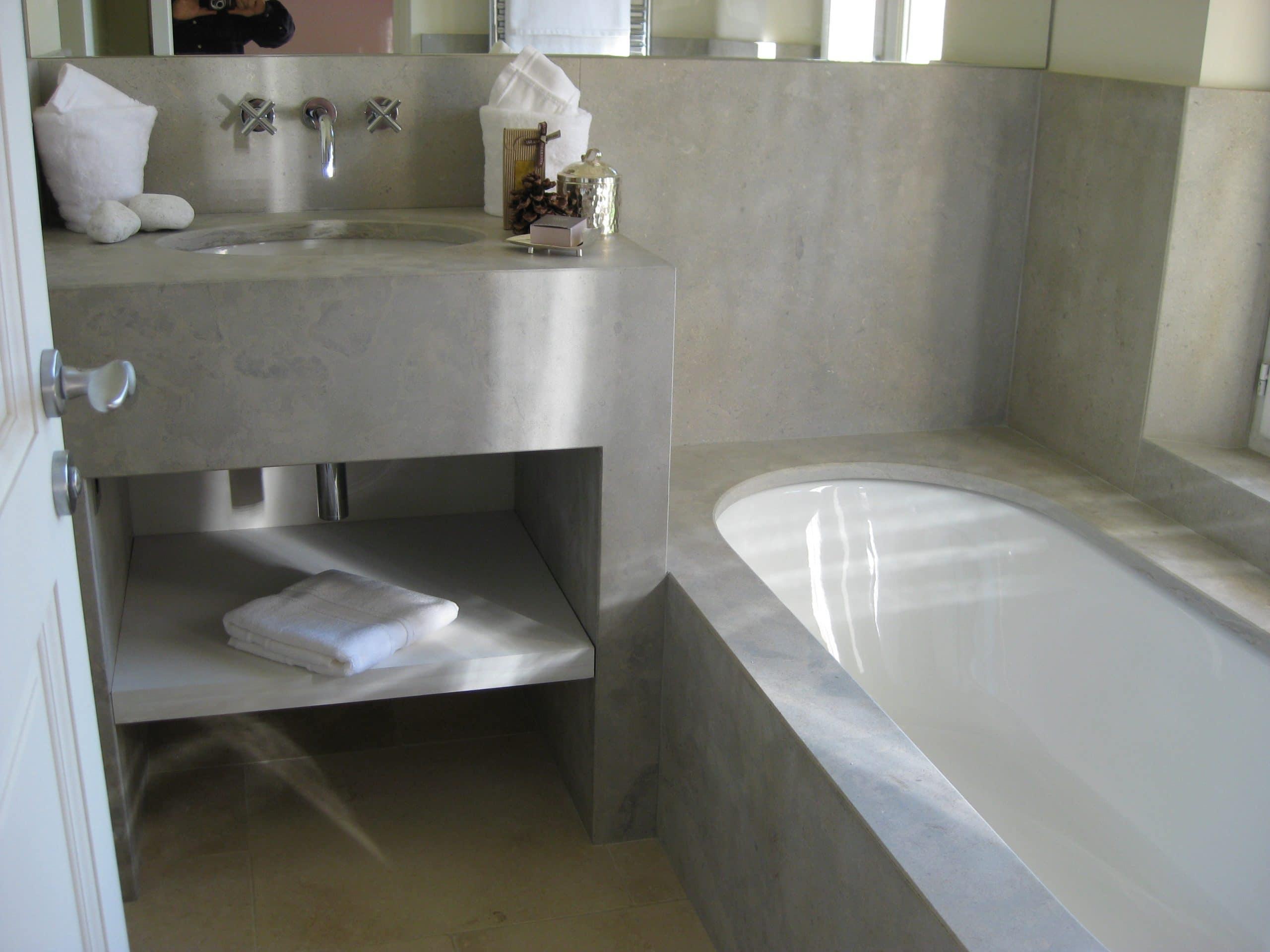 Salle de bain en pierre