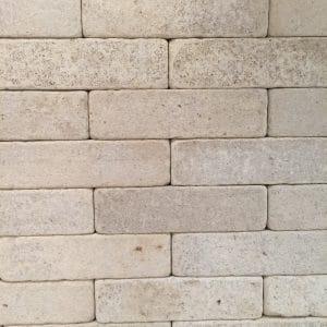 Pavés en pierre naturelle claire