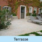 Terrasse en pierres naturelles