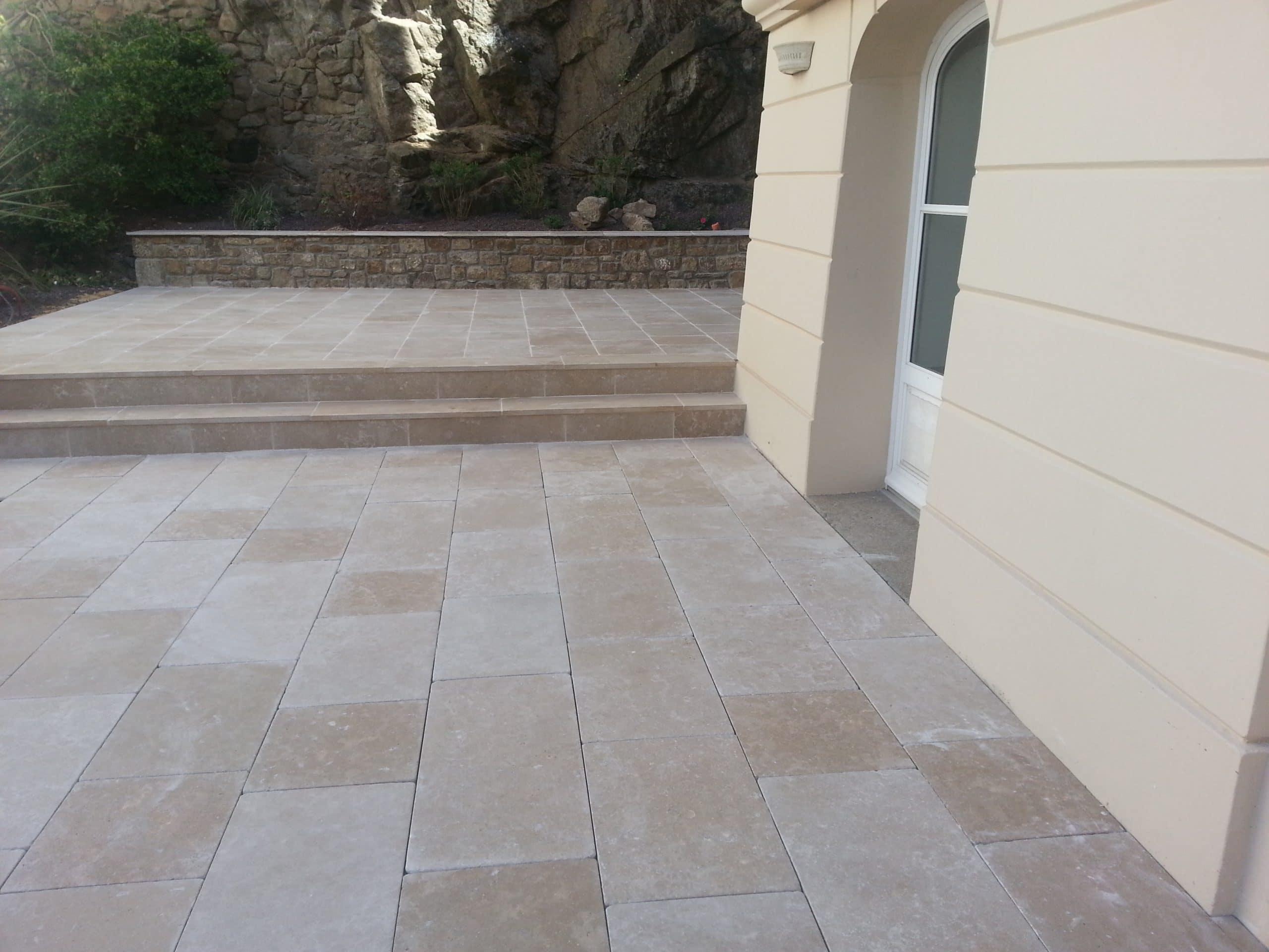 Terrasse en pierre naturelle égyptienne