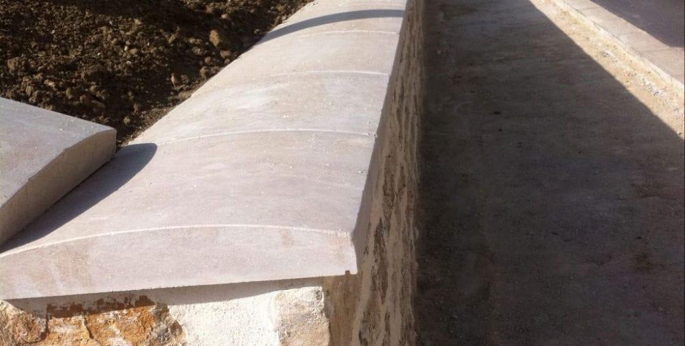 couvertine de mur en pierre beige
