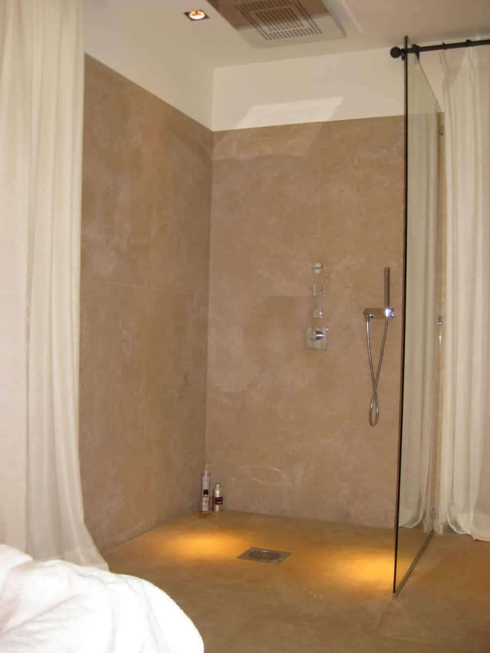 Aménagement d'une salle d'eau en pierre