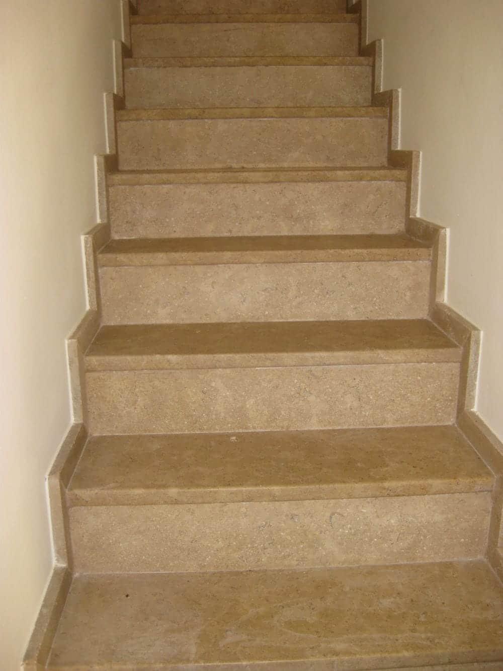 Escalier sur mesure en pierre Cèdre Gray
